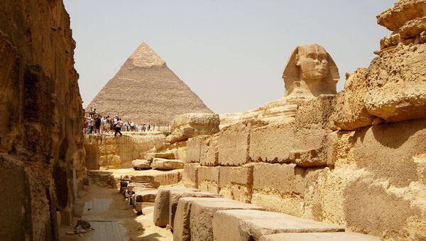 Wielka Piramida w Gizie, Piramida Cheopsa i Wielki Sfinks - Sputnik Polska
