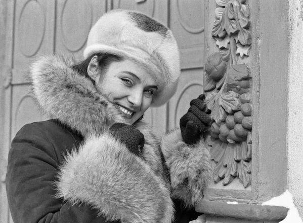 Dziewczyna w futrzanej czapce, 1979 rok - Sputnik Polska