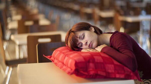 Grupa badaczy z Uniwersytetu Rutgersa w USA wyjaśniła, że zbyt mała ilość snu w przypadku dzieci jest szkodliwa dla zdrowia. - Sputnik Polska