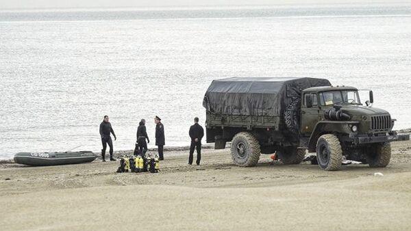Specjaliści przed akcją unieszkodliwienia miny kotwicowej z okresu Wielkiej Wojny Ojczyźnianej w Anapie - Sputnik Polska