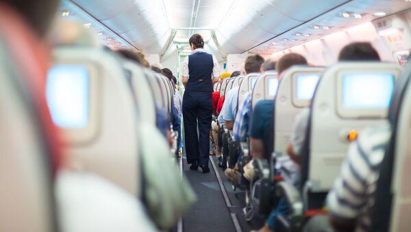 Stewardesa w samolocie - Sputnik Polska