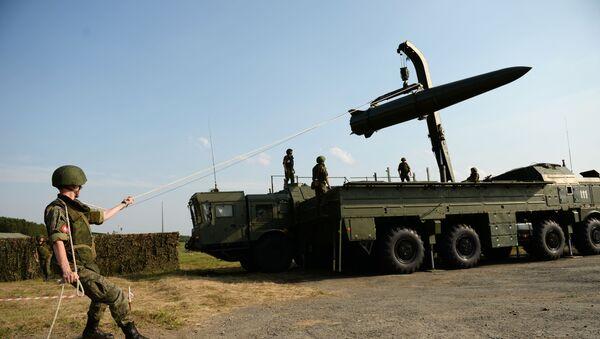 """Przygotowywanie systemu rakietowego """"Iskander-M"""" - Sputnik Polska"""