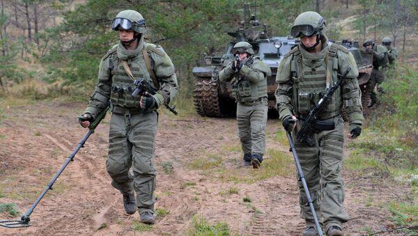 Wojskowi szturmowej jednostki inżynieryjno-saperskiej rosyjskich sił zbrojnych - Sputnik Polska