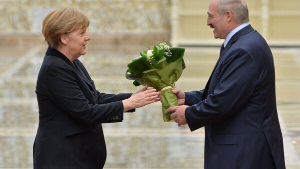 Kanclerz Niemiec Angela Merkel i prezydent Białorusi Alaksandr Łukaszenka w Mińsku - Sputnik Polska