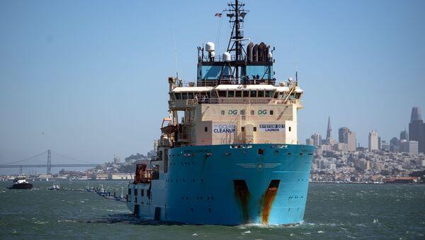 System oczyszczania Oceanu Spokojnego ze śmieci System 001 w Zatoce San Francisco - Sputnik Polska