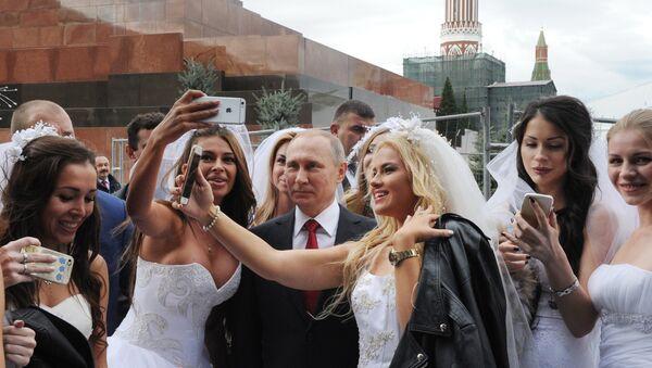Life: Kiedy się Pan ożeni? - Konfererncja prasowa Władimira Putina 20 grudnia 2018 - Sputnik Polska