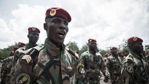 Poborowi środkowoafrykańskich sił zbrojnych w edukacyjnym centrum wojskowym w Berengo AFP 2018 - Sputnik Polska