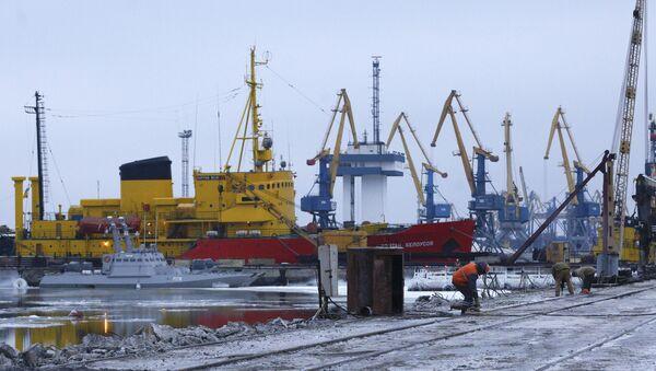 Widok na port Mariupolu - Sputnik Polska