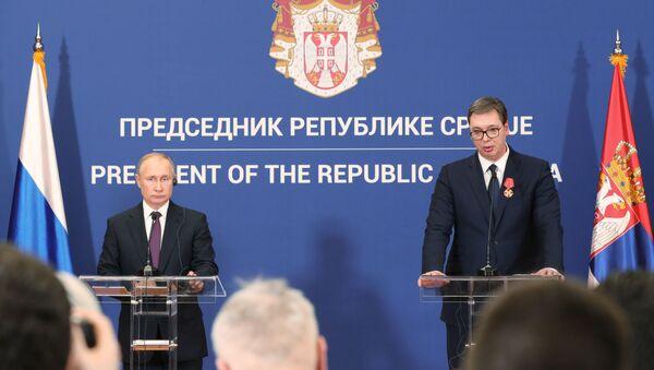 Prezydent Rosji Władimir Putin i prezydent Serbii Aleksander Vucić na wspólnej konferencji prasowej w Belgradzie - Sputnik Polska