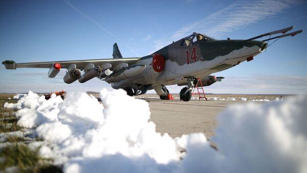 Samolot szturmowy Su-25SM3 podczas ćwiczeń taktycznych w Kraju Krasnodarskim - Sputnik Polska