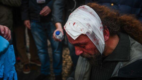 Kostis Ntantamis, stringer pracujący dla greckiej redakcji Sputnika, pobity podczas demonstracji w Atenach - Sputnik Polska