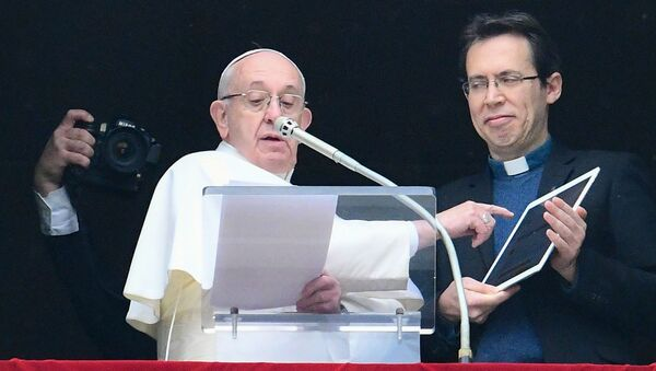 Papież przedstawia nową aplikację - Sputnik Polska
