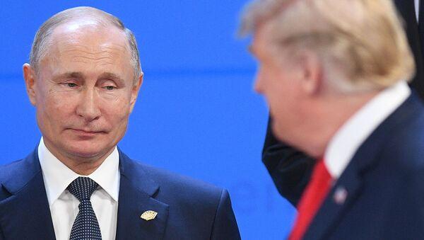 Prezydent USA Donald Trump i prezydent Rosji Wadimir Putin - Sputnik Polska