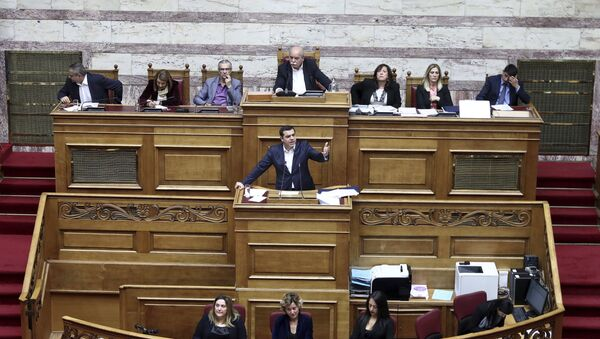 Premier Grecji Alexis Tsipras w czasie obrad w parlamencie - Sputnik Polska