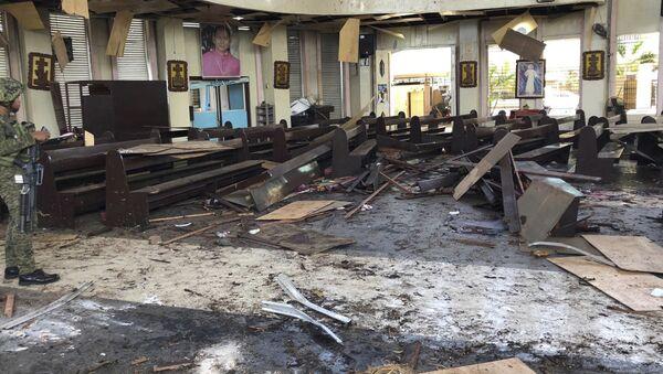 Zamach na katolicką katedrę na Filipinach - Sputnik Polska