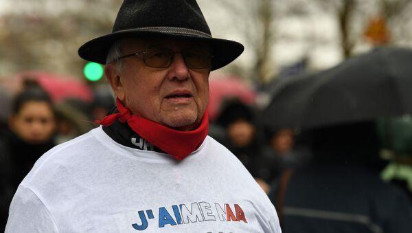 """Akcja ruchu """"czerwonych szalików w Paryżu - Sputnik Polska"""