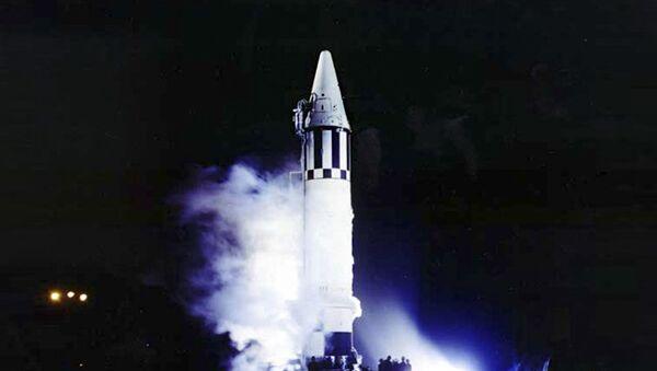 Amerykańska rakieta balistyczna pośredniego zasięgu Jupiter w czasie startu - Sputnik Polska