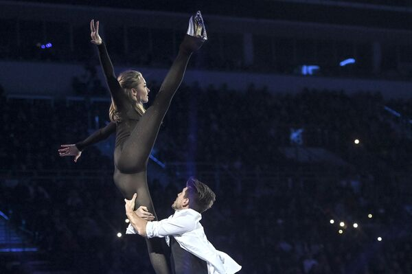 Obcisły kostium Aleksandry Stepanowej na Mistrzostwach Europy w Łyżwiarstwie Figurowym - Sputnik Polska