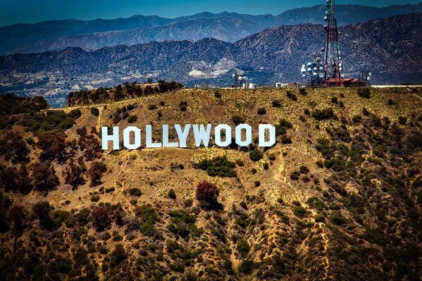 """Hollywood Sign – punkt orientacyjny w postaci napisu """"HOLLYWOOD"""" w USA - Sputnik Polska"""