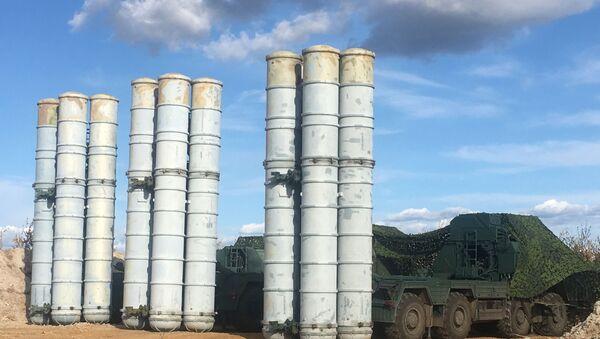Rosyjski system przeciwlotniczy S-400  - Sputnik Polska