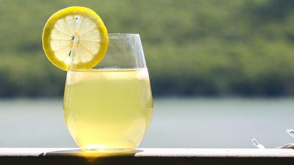 Lemoniada z cytryną - Sputnik Polska