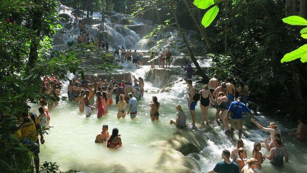 Wodospady na rzece Dunn, Jamajka - Sputnik Polska
