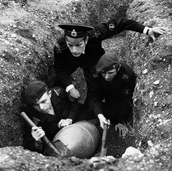 Ćwiczenia piechoty morskiej Floty Czarnomorskiej, 1970 r. - Sputnik Polska
