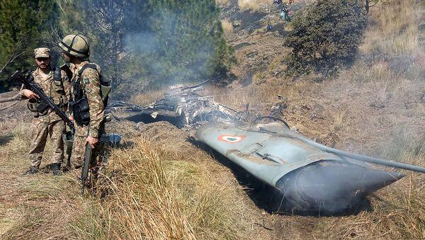 Szczątki zestrzelonego indyjskiego niszczyciela, Kaszmir - Sputnik Polska