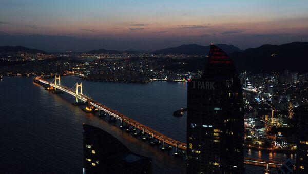 Widok na most Gwangan w Pusan, Korea Południowa - Sputnik Polska