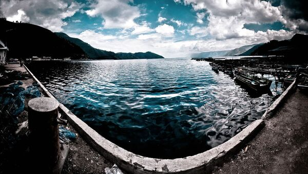 Jezioro Toba w kalderze superwulkanu Toba na Sumatrze, Indonezja - Sputnik Polska