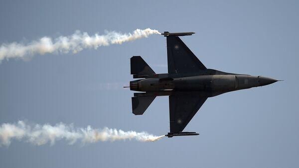 Pakistański F-16 - Sputnik Polska