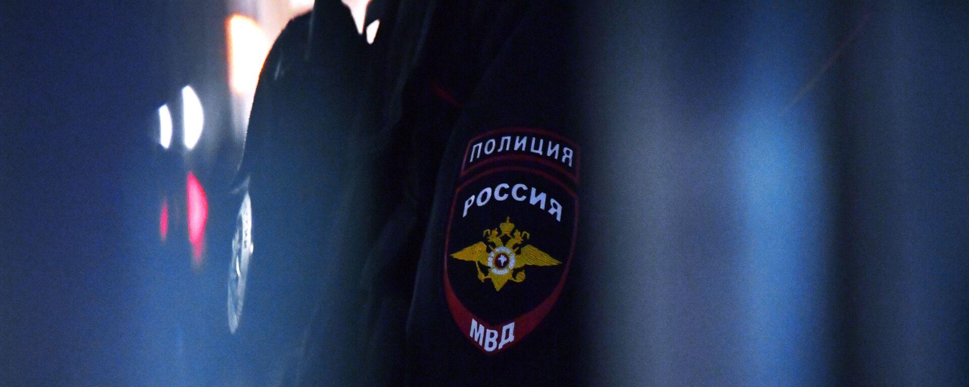 Godło na mundurze pracownika policji - Sputnik Polska, 1920, 20.08.2021