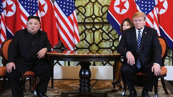 przywódca Korei Północnej Kim Dzong Un i prezydent USA Donald Trump - Sputnik Polska