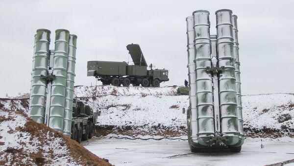 Wyrzutnie rakietowe S-400 Triumf - Sputnik Polska
